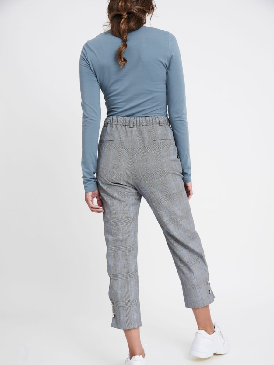 BLACK/BLUE PRINCE OF WALES CROPPED TROUSERS
