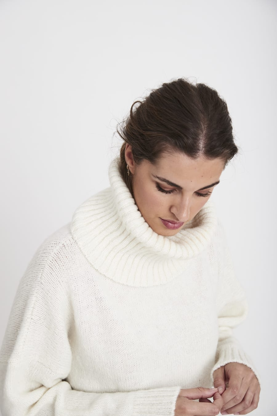 IVORY ROLL NECK JUMPER